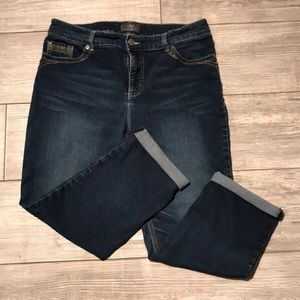 Chico's Crop Jeans. So Slimming Collection